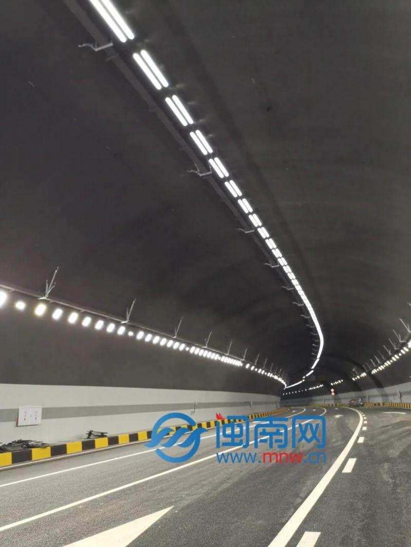 古塔山隧道左洞全长605米