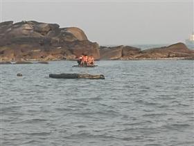 两名男子石湖海域受困 警民合力营救