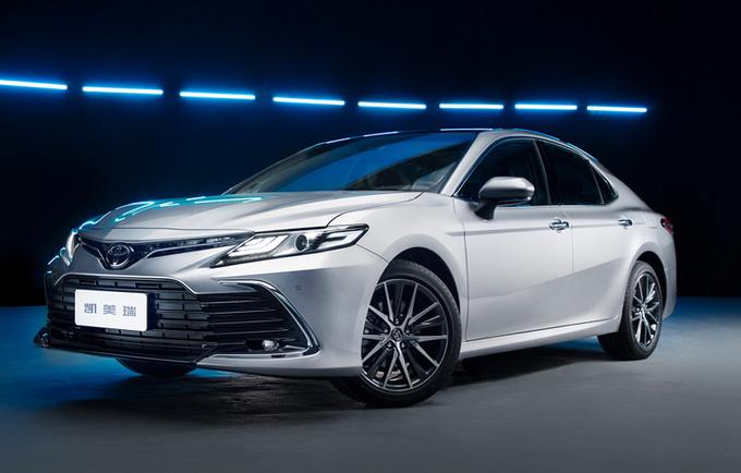 广汽丰田新款凯美瑞上市 17.98万起售 配置大升级