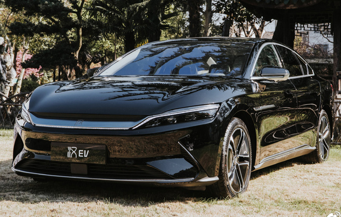 比亚迪汉EV增新配色!支持免费选装 售25.58万元