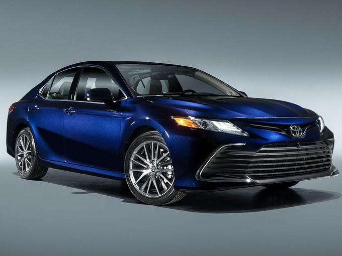 丰田新款凯美瑞正式发布!推新车型/配置大涨