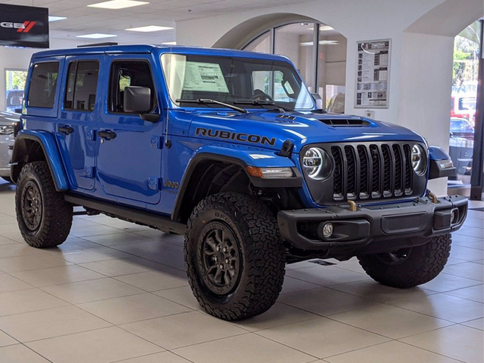 Jeep全新牧马人新车型实拍!搭6.4L V8/性能大升级