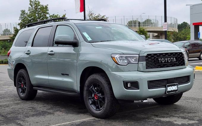 拥有最强越野性能的7座SUV!丰田全新红杉海外实