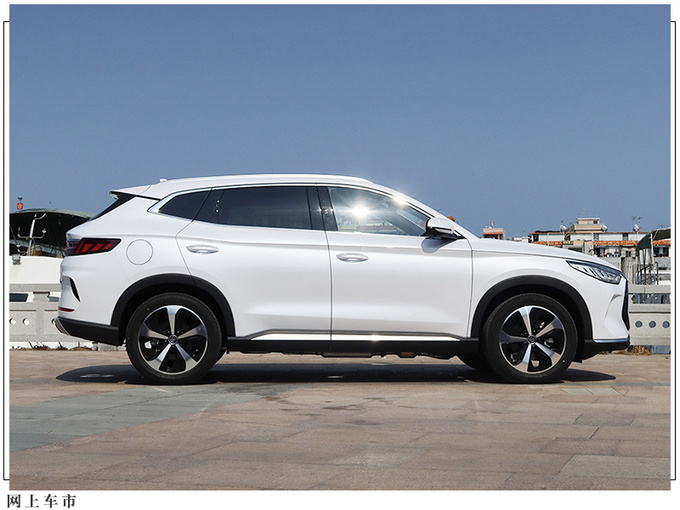 15万可以买哪一款SUV比亚迪宋PLUS给你答案-图3