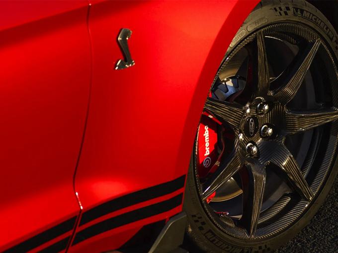 福特野马GT500新套件曝光 碳纤维轮毂/操控提升