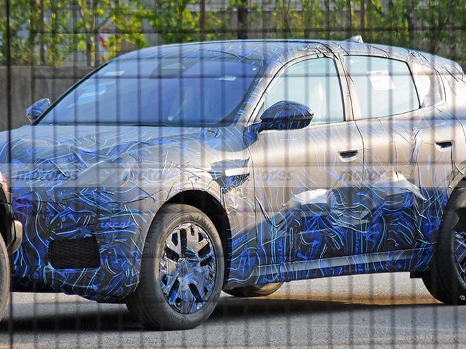 玛莎拉蒂全新SUV曝光!入门搭2.0T/年底前发布