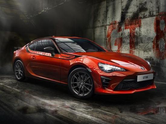 丰田两款新车信息曝光 新款凯美瑞秋季开售
