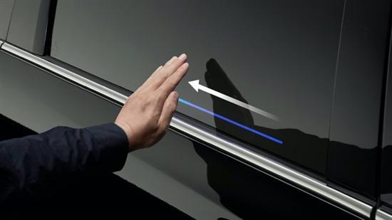 2021款奥德赛配自动滑动门 不用手就可打开