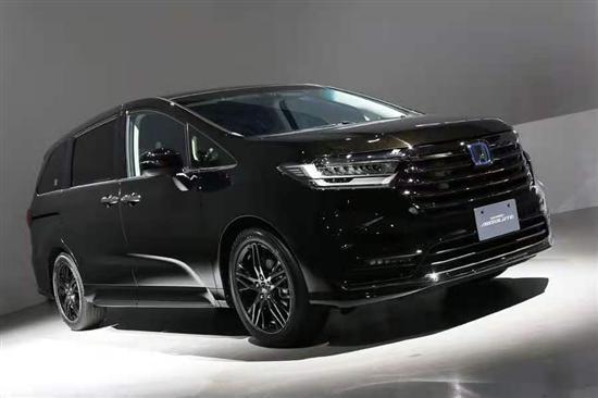 搭载e:HEV混动技术 新款本田奥德赛实车发布