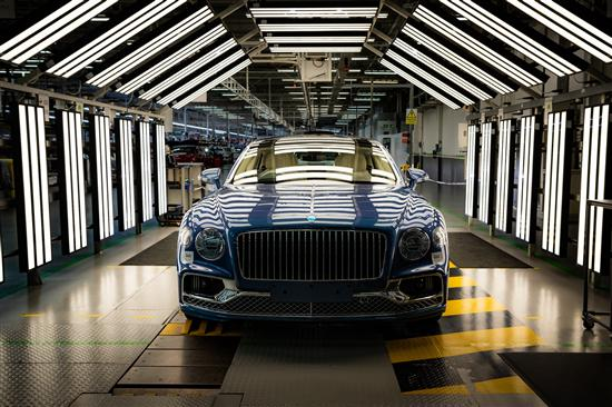 最快明年初入华 全新宾利飞驰V8车型下线