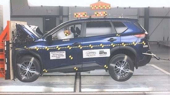 全新奇骏在美国碰撞测试中获得四星评价